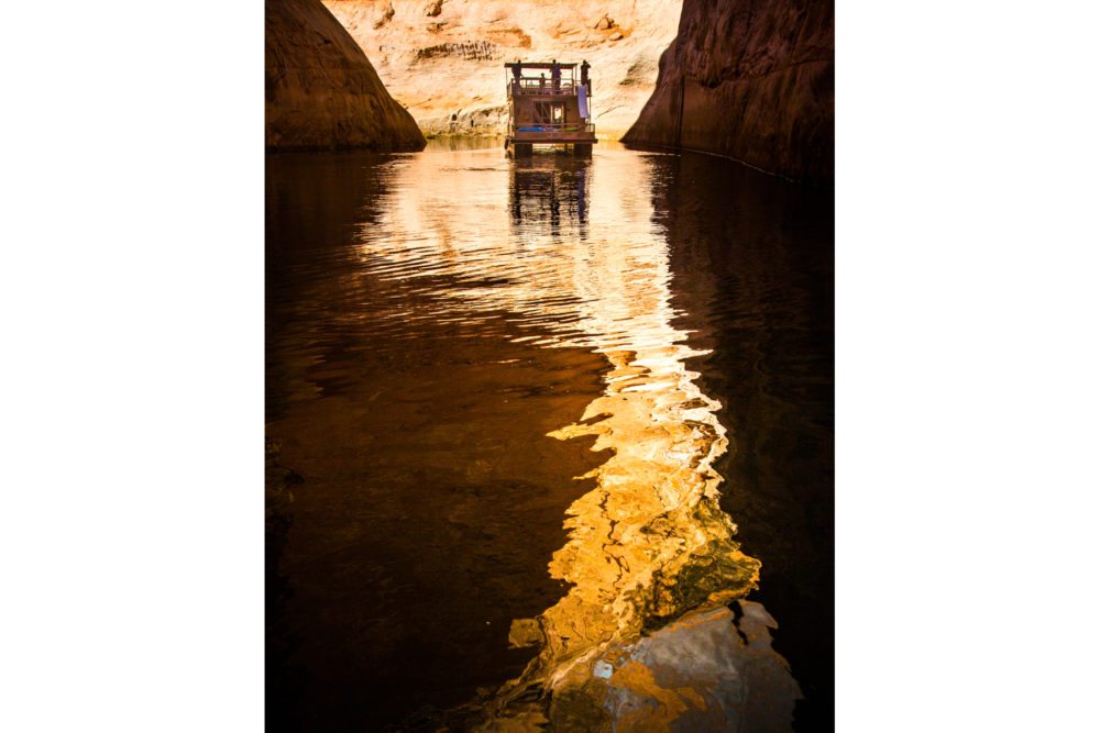 photo credit Suzanne Mathia - Lake Powell by Houseboat
